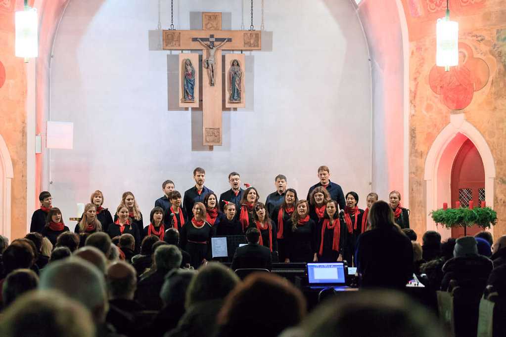 20171217-adventskonzert-gospeltrain-683.jpg