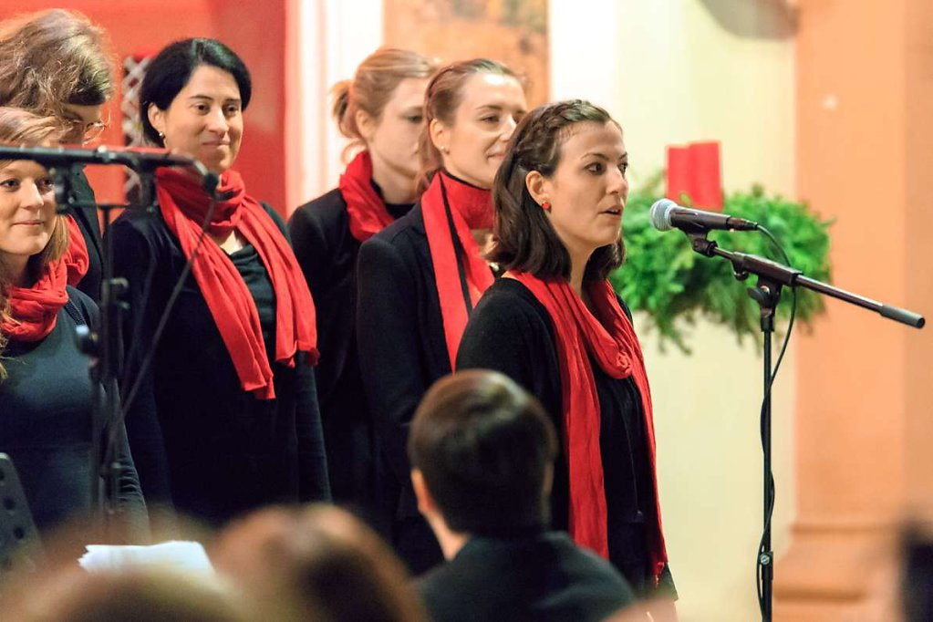 20171217-adventskonzert-gospeltrain-735.jpg